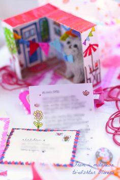 cardboard house  http://www.ishtarolivera.com/blog/2013/02/snail-mail-day-%E2%99%A5-dia-de-correo/