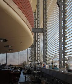 Interior of Johnson Wax Research Tower (built Racine, Wisconsin. Frank Lloyd Wright Buildings, Frank Lloyd Wright Homes, Amazing Architecture, Modern Architecture, Johnson Wax, Usonian, Streamline Moderne, Tower Building, Art Deco Buildings