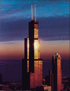Willis Tower at sunset