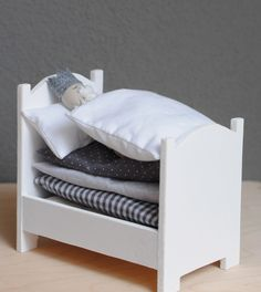 Make to go with princess and the pea story. Make doll princess, pea and beautiful little mattresses & the wee bed
