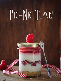 Pic-nic time: rasperry cheesecake in a jar - Cheesecake ai lamponi in barattolo | Creazioni... Fusion or Confusion?
