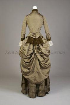 1885-89, silk faille and velvet, back view.