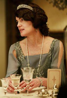 Elizabeth McGovern as Lady Cora Crawley in Downton Abbey (TV Series 2013)