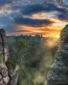 Elbe Sandstone Mountains. Die Lokomotive...