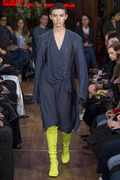 Vetements - Spring/Summer 2016 Ready-To-Wear - PFW (Vogue.co.uk)