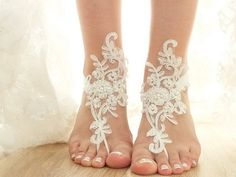 ? Beach Wedding Sandals ?  Do you dream of a dreamy beach wedding?Walk barefoot on the sand? To reveal all the beauty of your feet and a unique accessory that will make you feel like the queen of the