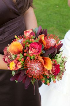 Burnt orange bouquet with deep burgandy lucodendron. autumn wedding colors / wedding in fall / fall wedding color ideas / fall wedding party / april wedding ideas Diy Wedding Bouquet, Fall Wedding Flowers, Autumn Wedding, Wedding Day, April Wedding, Wedding Gifts, Destination Wedding, Dream Wedding, Burnt Orange Weddings