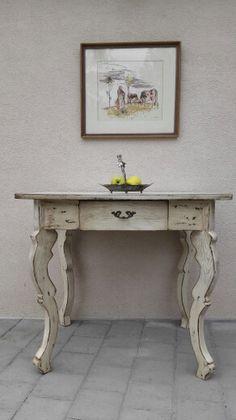 Predam starozitny stol cena 200eur