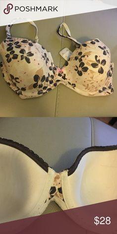 Victoria's Secret Bt Flower bra. Used but lots of life left! Victoria's Secret Intimates & Sleepwear Bras
