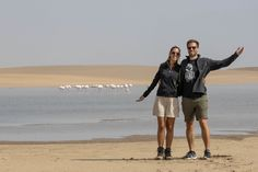 De Solitaire a Swakopmund Vida Animal, Tours, Travel Couple, Hipster, Couples, Style, Birdwatching, Boating, City