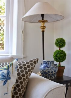 Lee Caroline - A World of Inspiration: My Living Room - An Eclectic Mix of Blue & White Eclectic Living Room, My Living Room, Blue Friday, White Home Decor, White Rooms, White Houses, Home Decor Inspiration, Blue And White, Diy Projects
