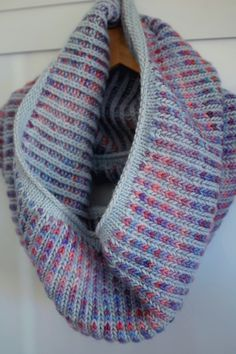 Simple Brioche cowl by Stefanie | Project | Knitting / Accessories | Scarves, Shawls, & Cowls | Women's | Kollabora A simple, two-color brioche cowl from Manos del Uruguay Maxima in Stratus and Rainforest