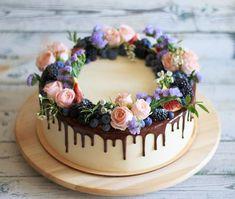 first birthday centerpiece Pretty Cakes, Beautiful Cakes, Amazing Cakes, Decoration Photo, Dessert Decoration, Chocolate Drip Cake, Just Cakes, Floral Cake, Drip Cakes