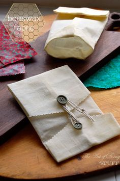 Make your own beeswax food wraps = 0 plastic