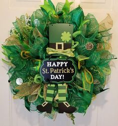 Your place to buy and sell all things handmade Ribbon Wreaths, Deco Mesh Wreaths, Door Wreaths, Mesh Wreath Tutorial, Leprechaun Hats, Holiday Ideas, Holiday Decor, Happy St Patricks Day, Saint Patrick
