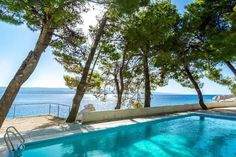 Discount UK Holidays 2017 7nt All-Inclusive Coastal Croatia Break & Flights From £299pp (from Bargain Late Holidays) for a seven-night all-inclusive Croatia break with flights - save up to 43%
