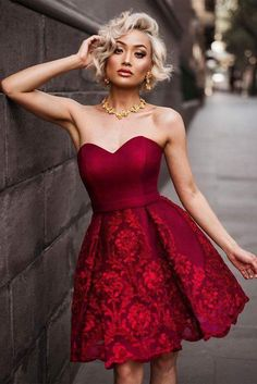 Enjoy Christmas Dinner With Sweatheart Neckline Red Ball Gown