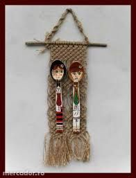 Image result for tarancuta traditionala romaneasca pictata Traditional Paintings, Projects For Kids, 1 Decembrie, Dream Catcher, Home Decor, Kids Service Projects, Dreamcatchers, Decoration Home, Room Decor