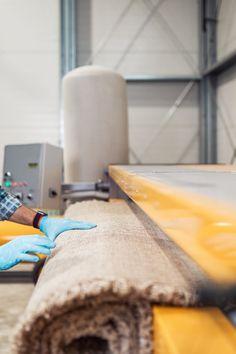 אשר שטיחים ממליצה לא להסתפק בשאיבת אבק רגילה. רצוי לנקות את השטיח בצורה מקצועית לפחות פעם בשנה. ניקוי שטיחים מקצועי הוא הדרך לנקות שטיחים ולשמור עליהם נקיים. Cinnamon Sticks, Spices, Food, Spice, Eten, Meals, Diet