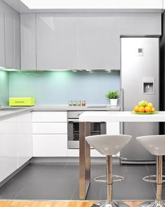 [#nipponpaintsg x #interiordesign]  Singaporeans often look for  durable, easy-to-maintain interiors for kitchens. Take a look at this mini kitchen! The stainless steel accents elevates the sleek elegance of this mini kitchen, and dark floorings makes cleanliness so much easier to maintain! A hearty serving of beautiful blue-green freshness such as Quiet Lake (NP BGG 1593 P) or Spring Splash�(NP BGG 1601 P) just to tune up the contemporary flavours. Hard to go wrong with this one!