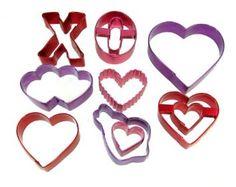 Amazon.com: Wilton Valentine 9 Piece Color Anodized Cookie Cutter Set: Kitchen & Dining