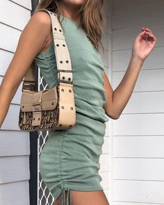 There is 1 tip to buy dress. Vintage Dresses, Vintage Outfits, Military Dresses, Summer Outfits, Cute Outfits, Look Boho, Dresses Short, Vogue, Sexy Party Dress