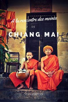 Si je devais donner une couleur à la ville de Chiang Mai en Thaïlande, je dirais qu'elle est orange. Les rues et les temples sont colorés par les moines qui vont et viennent à toute heure de la journée.