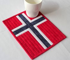 Norwegian Flag Mug Rug Quilted, Red White Blue, Patriotic May, Norway National Day Norwegian Flag, Norwegian Christmas, Scandinavian Christmas, Flag Quilt, Patriotic Quilts, Block Quilt, Canvas Patterns, Quilt Patterns, Nautical Rugs