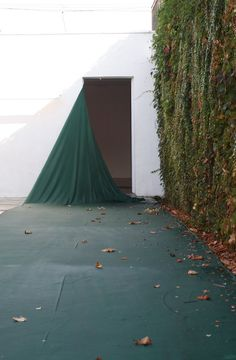 Sam Falls, Untitled (West Hollywood, CA. Green) 2011, hand-dyed green cotton and metal grommets