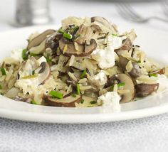 If you're after a lighter alternative to risotto, this low-fat mushroom pilaf is just the ticket. Use any vegan alternative to soft cheese eg tofutti, or perhaps a soft tofu that has been marinated in the lemon and chives? Mushroom Recipes, Veggie Recipes, Diet Recipes, Vegetarian Recipes, Cooking Recipes, Healthy Recipes, Veggie Meals, Yummy Recipes, Recipies