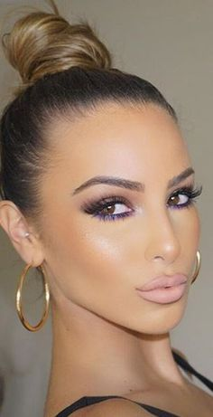 High topknot with light brown hair color Sie braune Augen wieder gut Best Hair Color for Brown Eyes – 43 Glamorous Ideas To Love - Be Trendsetter Flawless Makeup, Gorgeous Makeup, Pretty Makeup, Love Makeup, Makeup Tips, Makeup Looks, Hair Makeup, Makeup Ideas, Makeup Tutorials