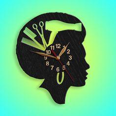 Eine große Bereicherung für Beauty-Salon oder Studio oder Friseur Salon. Diese Uhr eignet sich als Wanddekoration in einem Friseursalon. Diese Uhr ist ein großes Thanksgiving-Geschenk für Ihren Friseur, Stylist oder Mitarbeiter Wertschätzung Geschenk. Sie können diese dank Geschenk für Staff Appreciation Gifts, Personalized Clocks, Hair Stylist Gifts, Vinyl Record Clock, Ideias Diy, Wood Clocks, Gifts For Office, Quartz Clock Mechanism, Large Wall Art