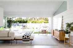 A Music Industry Insider's Midcentury Los Angeles Home Photos | Architectural Digest