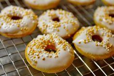 Huvilaelämää ja mökkiruokaa: Sitruunaiset minidonitsit
