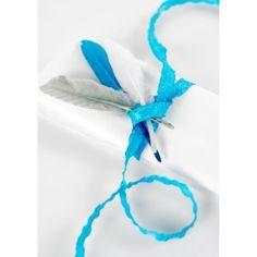 Déco plumes couleur 10 cm les 6, thème blanc, turquoise et gris, baby shower, idée déco, baptême, anniversaire, birthday party.
