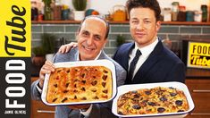How To Make Focaccia - Jamie & Gennaro : Jamie Oliver - Focaccia Bread Recipe, Bread Recipes, Cooking Recipes, Scd Recipes, Wilton Cake Decorating, Kielbasa, Neapolitanische Pizza, Crushed Potatoes, Rosemary Focaccia