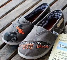 Daffy Duck TOMS shoes YOUTH by BStreetShoes on Etsy, $89.00