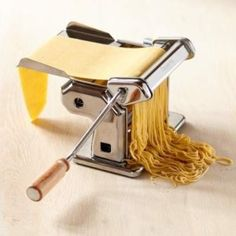 I dream of having this at home pasta maker! #zerowaste #plasticfree #sustainable