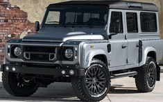 Land Rover Defender 2.4 TDCI XS 110 - Chelsea Wide Track