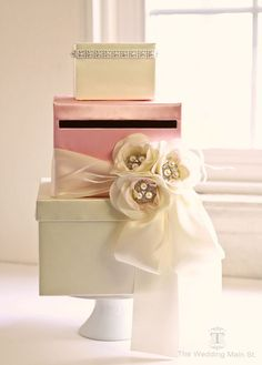 Wedding Card Box Wedding Money Holder Wedding by theweddingmainst looks like a cake!