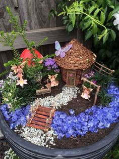 52 beautiful and magical miniature fairy garden ideas # home decoration # ., , 52 beautiful and magical miniature fairy garden ideas # home decoration # # decorati Fairy Garden Pots, Indoor Fairy Gardens, Fairy Garden Houses, Gnome Garden, Miniature Fairy Gardens, Garden Art, Fairy Gardening, Organic Gardening, Container Fairy Garden