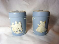 Vintage Wedgwood Blue 1776 Yanke Doodle & Liberty Bell Salt & Pepper Shakers