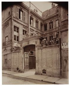 Vue de l'Hôtel de Flesselles, 1898, by Eugene Atget