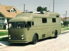school bus campers | Bus Nuts Bus Photos, Bus Conversions & Miscellaneous Ramblings - Good ...