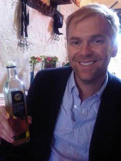 Cold pressed rapeseed oil from Cotswold Gold. Bill Granger, Rapeseed Oil, Gold, Yellow