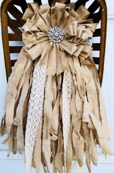 Adding That Perfect Gray Shabby Chic Furniture To Complete Your Interior Look from Shabby Chic Home interiors. Shabby Chic Mode, Style Shabby Chic, Shabby Chic Kitchen, Shabby Chic Decor, Vintage Decor, Shabby Chic Wreath, Shabby Vintage, Shabby Chic Ribbon, Kitchen Decor
