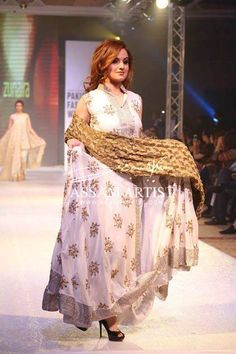 Zunaira Lounge Pakistan Fashion Week Dress for Women Hair Trends 2015, Short Hair Trends, Short Hair Styles, Dubai Fashion Week, Pakistan Fashion Week, 2015 Hairstyles, Western Dresses, Desi, Lace Skirt