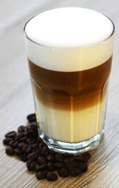 Barista Banter: Obscure Coffee Terminology: Latte Macchiato (floated shot)