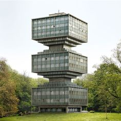 an architect by the rules of gravity must comply? No, says the Belgians Filip Dujardin. His photomontages are dream world and commentary on reality. Futuristic Architecture, Beautiful Architecture, Residential Architecture, Interior Architecture, Minimalist Architecture, Futuristic Design, Unusual Buildings, Amazing Buildings, Modern Buildings