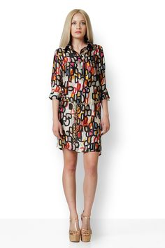 ΠΟΥΚΑΜΙΣΟΦΟΡΕΜΑ D ΜΕ ΠΟΡΤΟΚΑΛΙ Φόρεμα σατέν σεμιζιέ. Εξαιρετικά πρωτότυπο σχέδιο που προσφέρει μοναδικές εμφανίσεις για κάθε περίσταση. Έχει πέντε κουμπιά μπροστά και από ένα σε κάθε μανίκι. Cold Shoulder Dress, Dresses With Sleeves, Long Sleeve, Clothes, Fashion, Gowns With Sleeves, Moda, Clothing, Sleeve Dresses